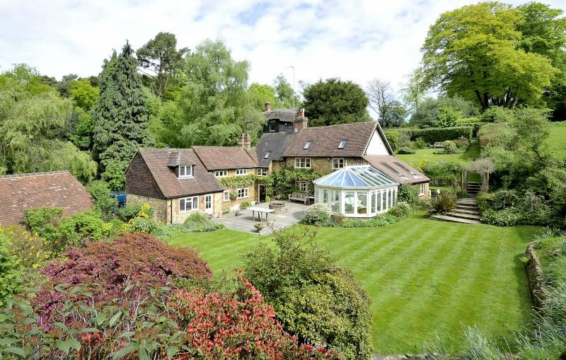 4 Bedrooms Detached House for sale in Abinger Bottom, Abinger Common, Dorking