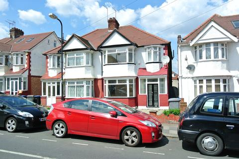 4 bedroom semi-detached house to rent - Cairnfield Avenue, Neasden, London NW2