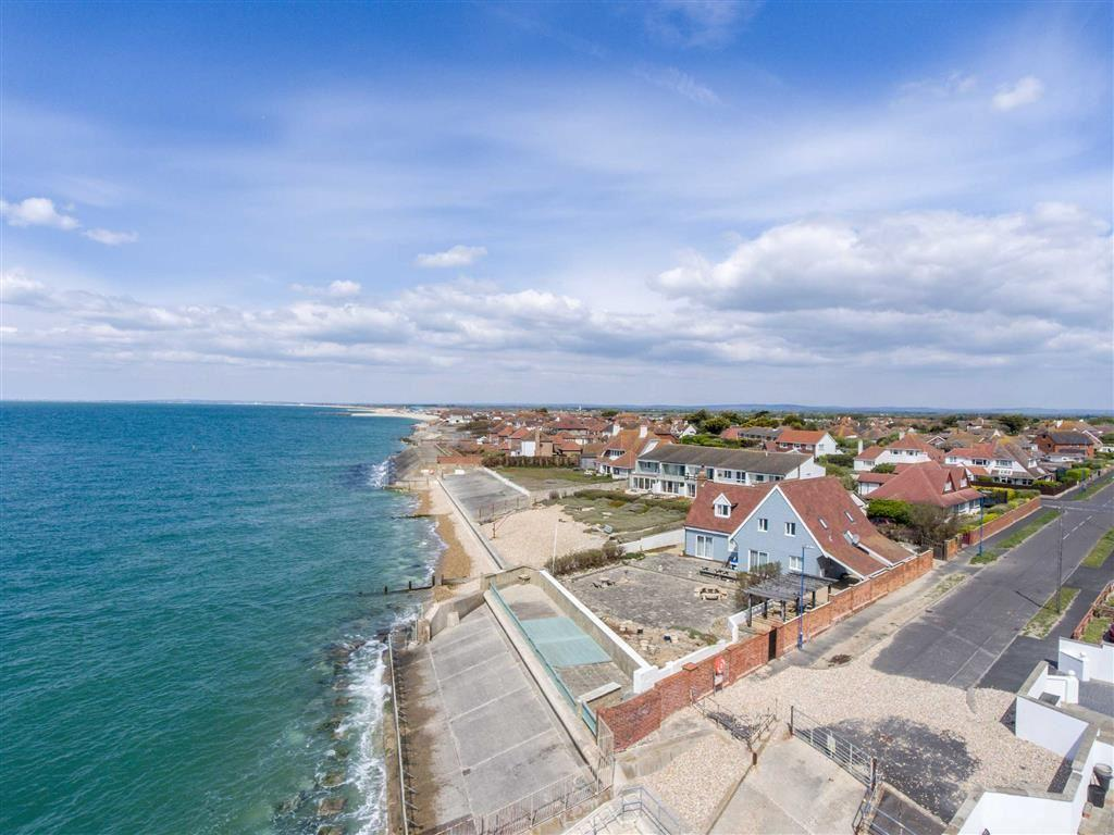 6 Bedrooms Detached House for sale in Warner Road, Selsey, West Sussex
