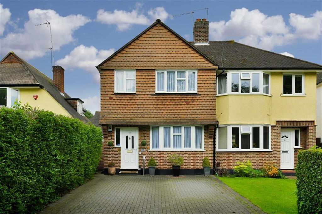 3 Bedrooms Semi Detached House for sale in Worcester Park Road, Worcester Park, Surrey