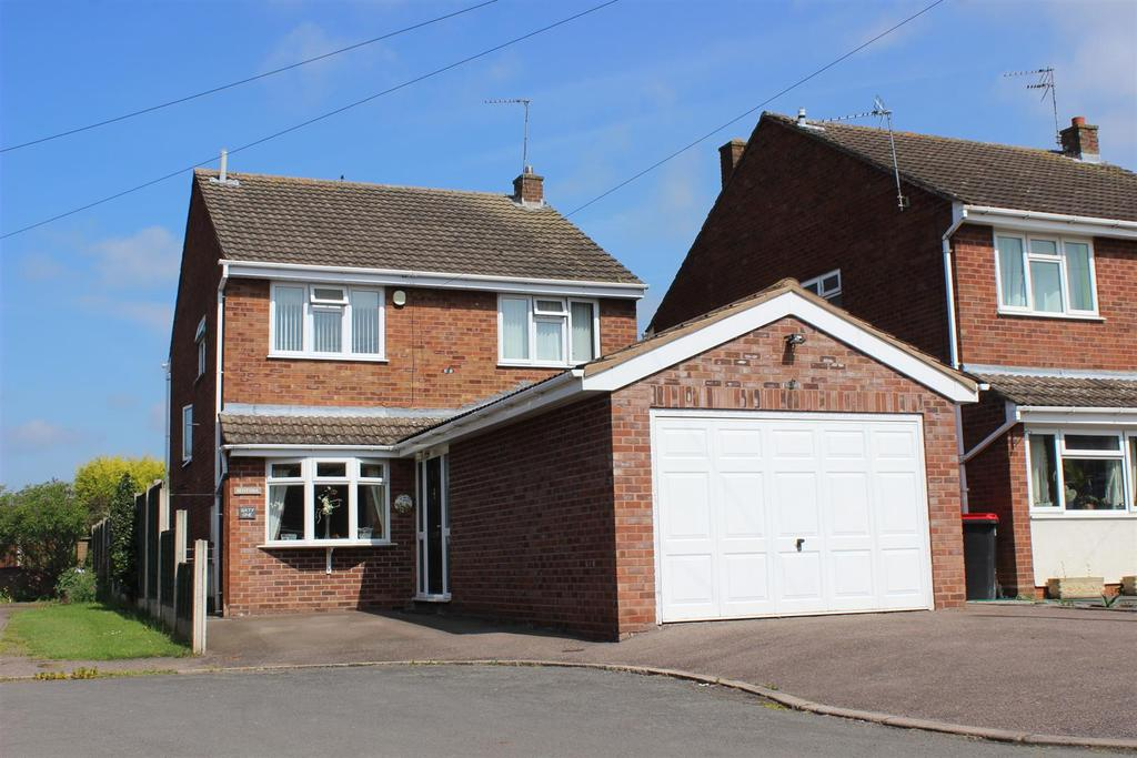 4 Bedrooms Detached House for sale in Ivy Croft Road, Warton, Tamworth