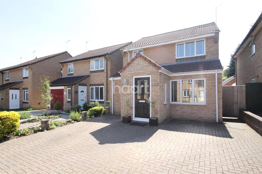 3 Bedrooms Detached House for sale in Willowbrook