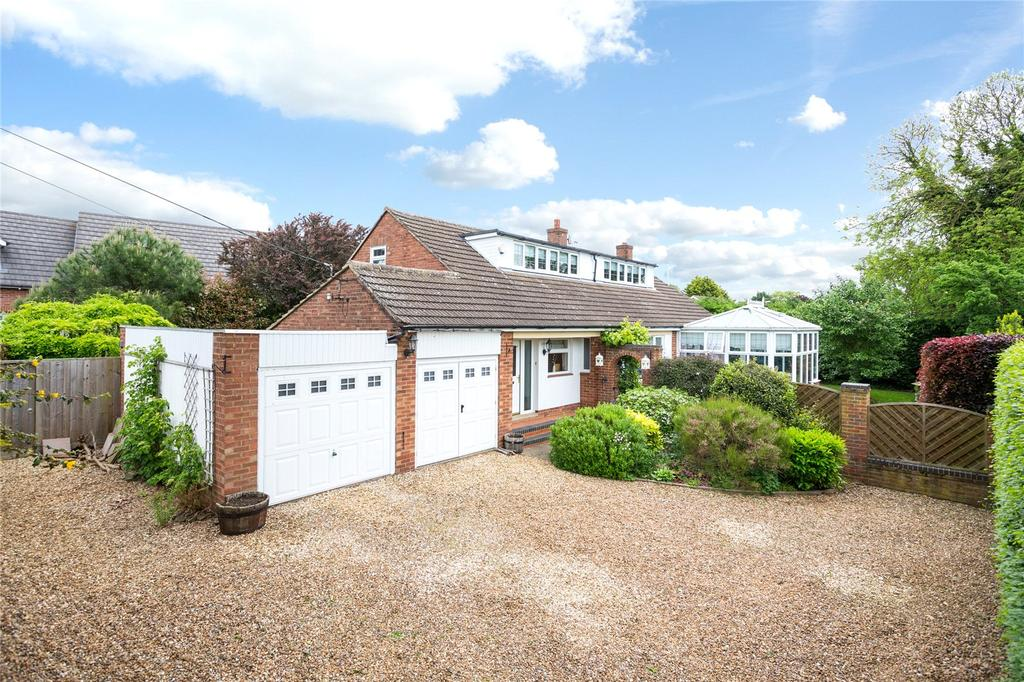5 Bedrooms Detached House for sale in New Street, Earls Barton, Northamptonshire, NN6