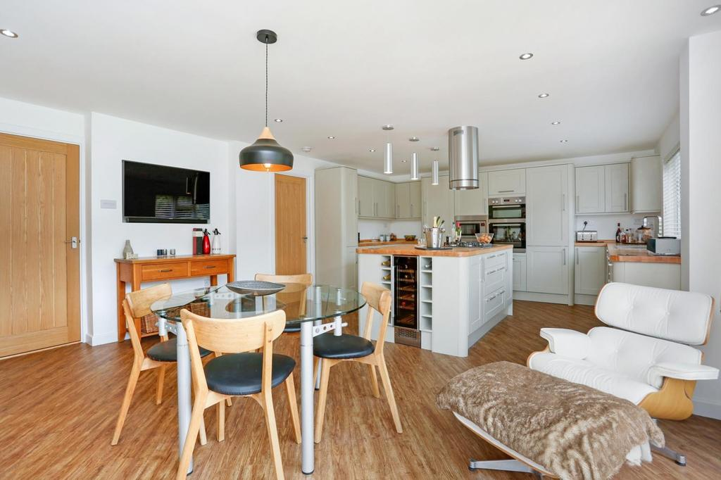 4 Bedrooms Detached House for sale in Crown Street, Dedham, Essex, CO7