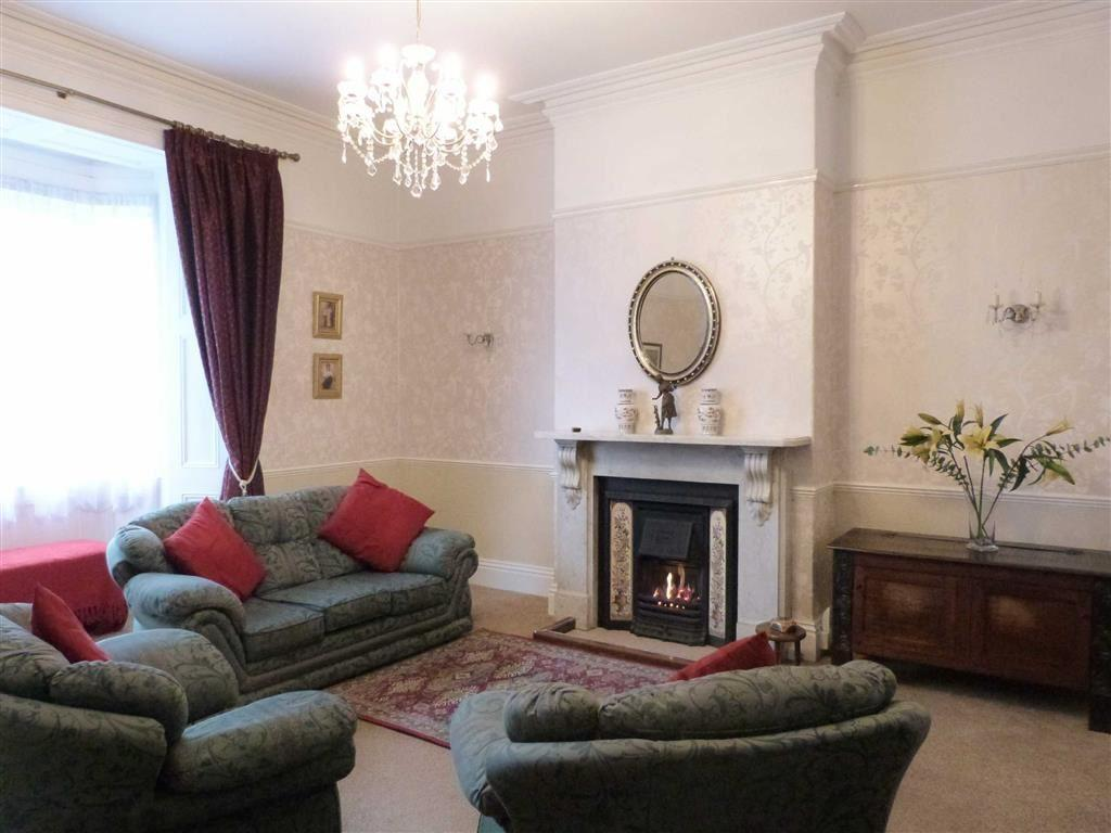 4 Bedrooms End Of Terrace House for sale in Chapmangate, Pocklington