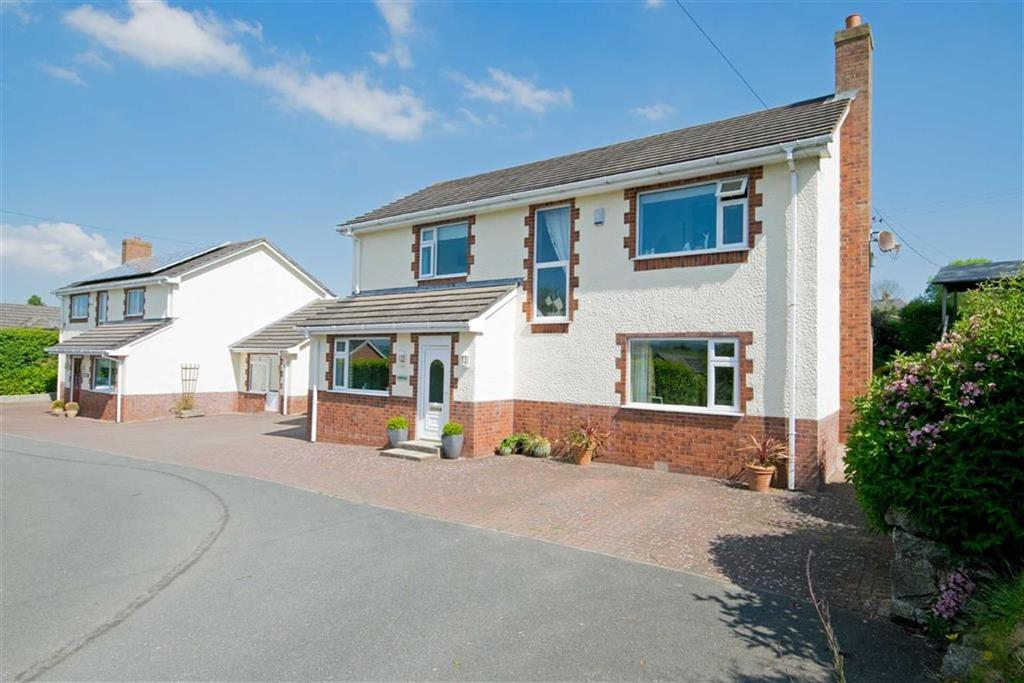 4 Bedrooms Detached House for sale in Rhes y Cae, Holywell