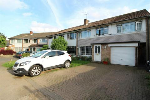 4 bedroom semi-detached house for sale - Avon Road, Sunbury-On-Thames, Middlesex
