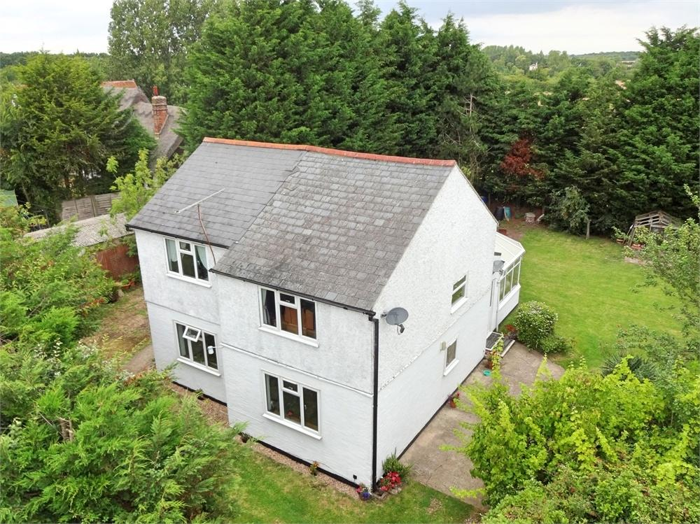 3 Bedrooms Cottage House for sale in West End Road, Tiptree, Colchester, Essex