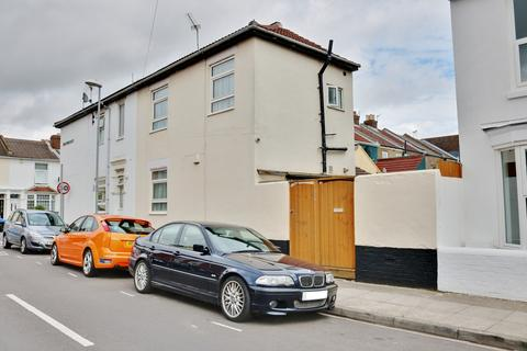 2 bedroom end of terrace house for sale - Jessie Road, Southsea