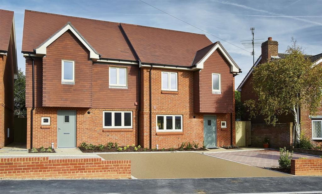 4 Bedrooms Town House for sale in Farnham, Surrey