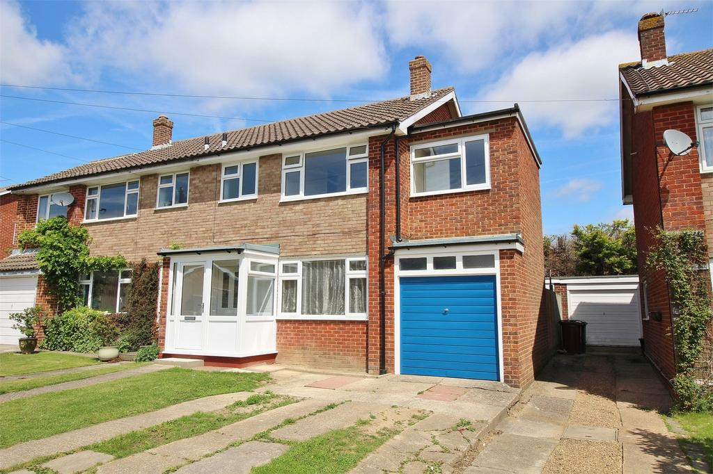4 Bedrooms Semi Detached House for sale in Woodlands Close, Uckfield, East Sussex