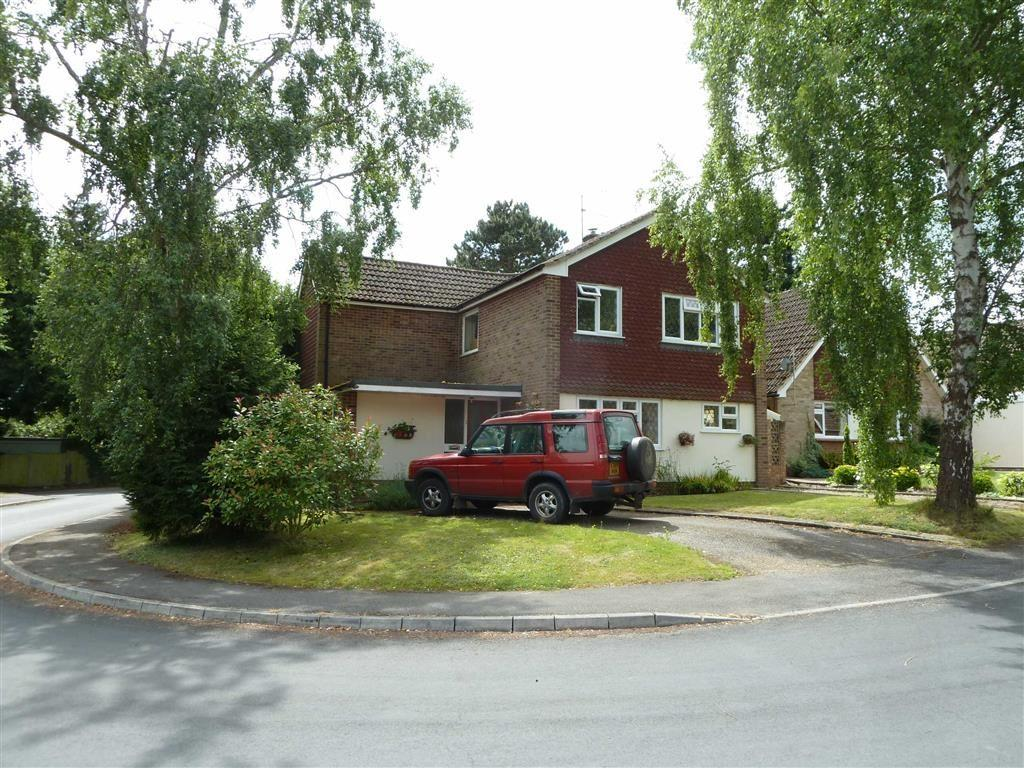 4 Bedrooms Detached House for sale in Redhouse Drive, Sonning Common, Sonning Common Reading