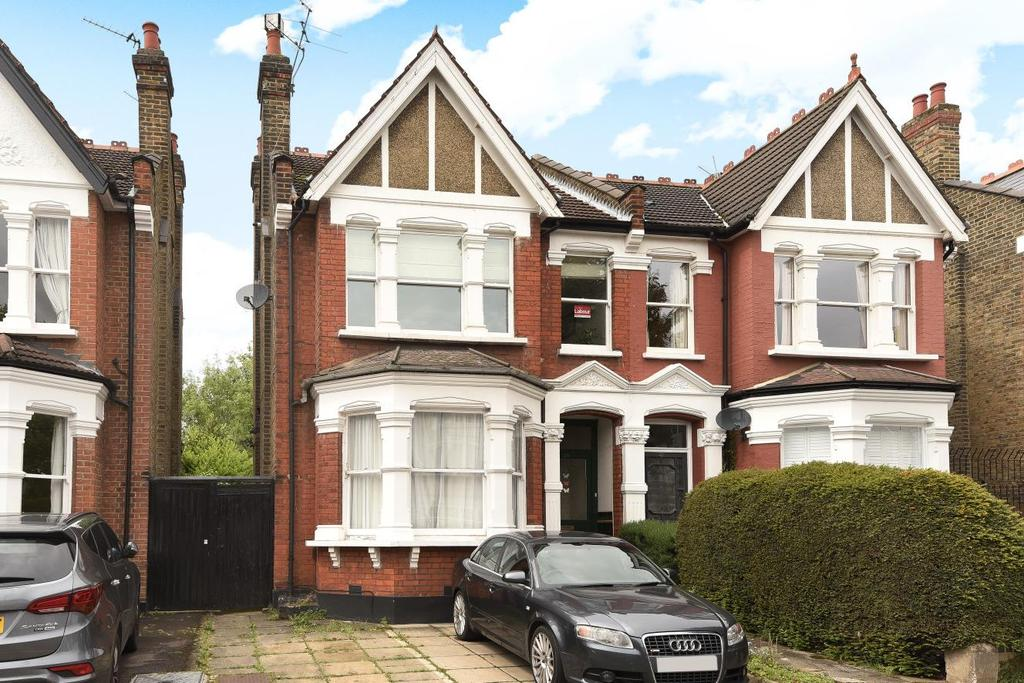 2 Bedrooms Flat for sale in Old Park Road, Palmers Green