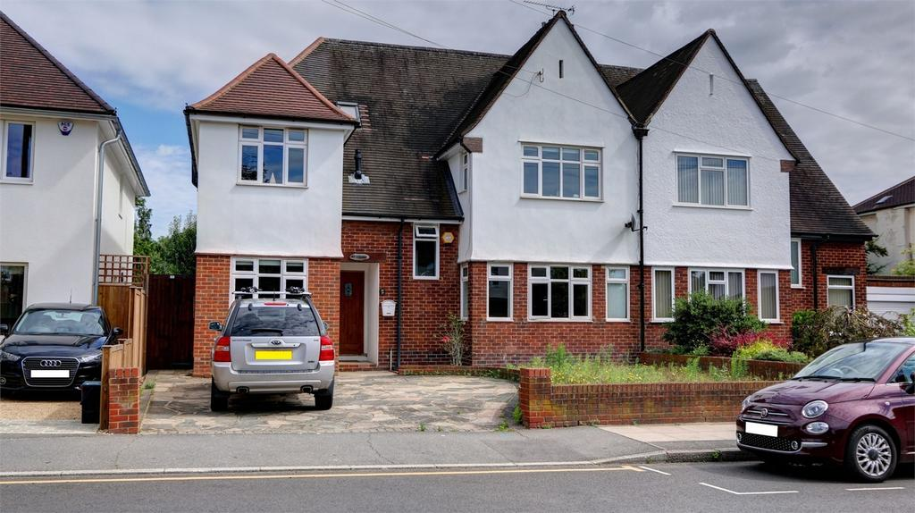 4 Bedrooms Semi Detached House for sale in Rochester Avenue, Bromley, Kent