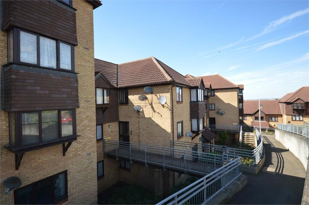 1 Bedroom Flat for sale in Hattersfield Close, Belvedere