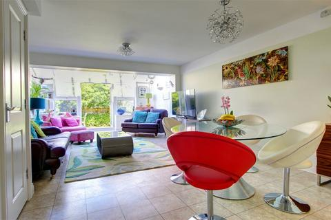4 bedroom end of terrace house for sale - Erickson Gardens, Bromley, Kent