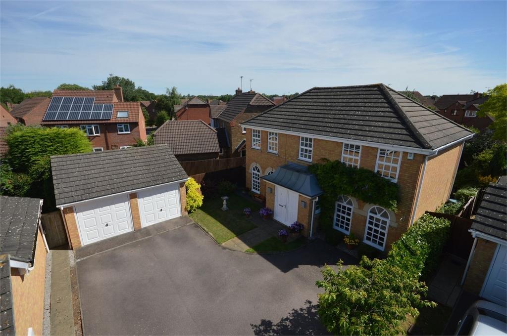 4 Bedrooms Detached House for sale in 6 Sweet Briar, Bishop's Gate, Bishop's Stortford