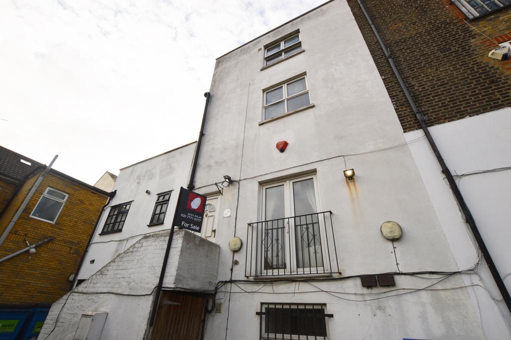 2 Bedrooms Terraced House for sale in Regal Row Astbury Road SE15