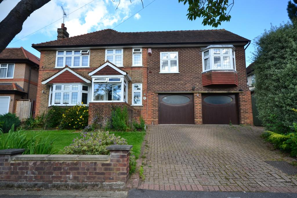 5 Bedrooms Detached House for sale in Broxbourne Road Orpington BR6