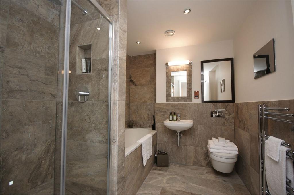 2 Bedrooms Flat for sale in Londons, Heworth, York