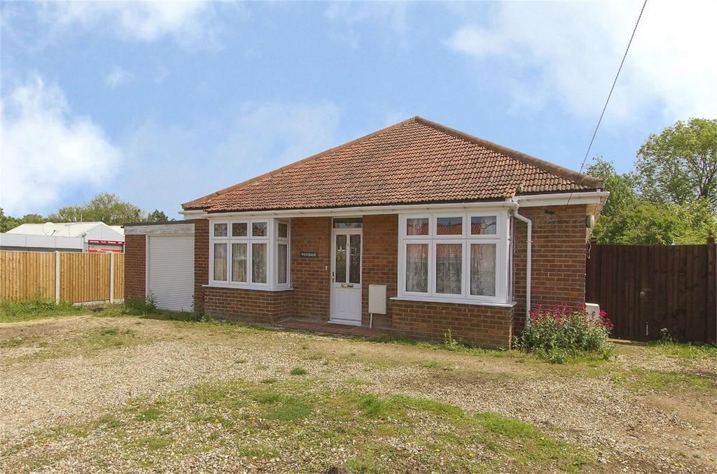 3 Bedrooms Detached Bungalow for sale in Westfield Road, Toftwood, Dereham