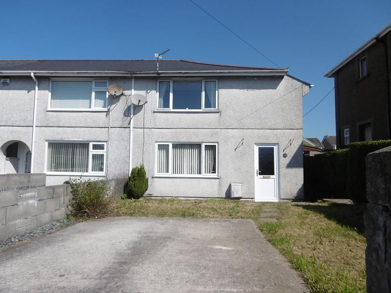 3 Bedrooms Semi Detached House for sale in North Avenue, Kenfig Hill, Bridgend, Bridgend.