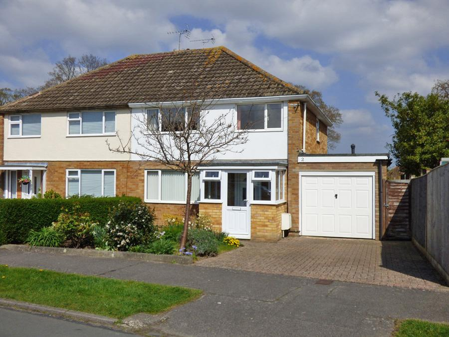 3 Bedrooms House for sale in Priory Road, Burgess Hill, RH15