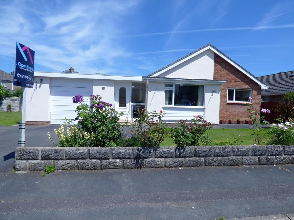 3 Bedrooms Detached Bungalow for sale in Homers Lane, Kingsteignton, TQ12 3AE