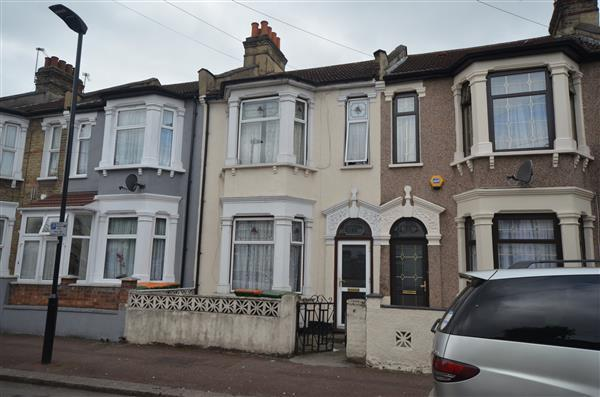 5 Bedrooms Terraced House for sale in Bartle Avenue, East Ham