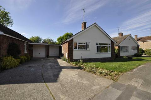 2 bedroom bungalow for sale - Augustine Way, Chelmsford