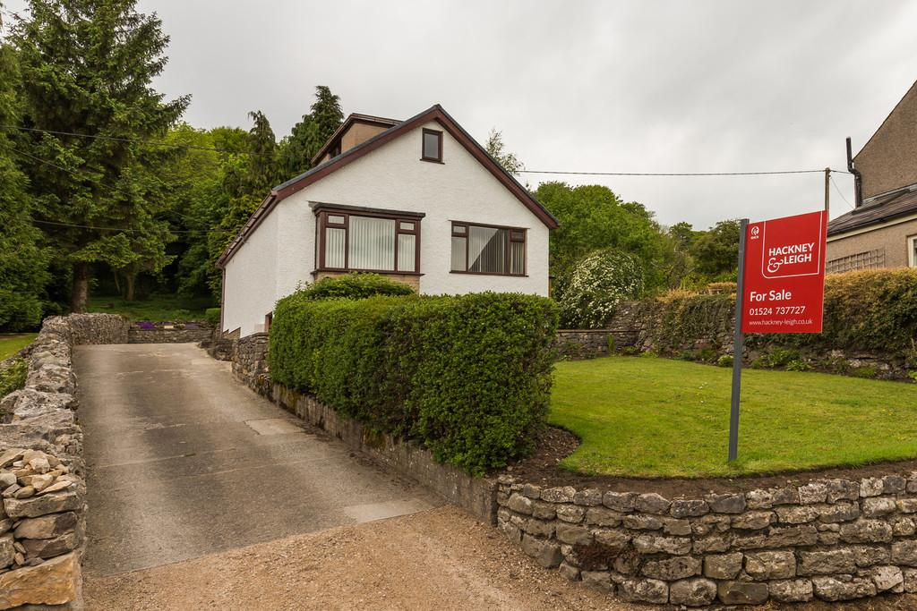 3 Bedrooms Detached Bungalow for sale in 19 Silverdale Road, Yealand Redmayne, LA5 9TA