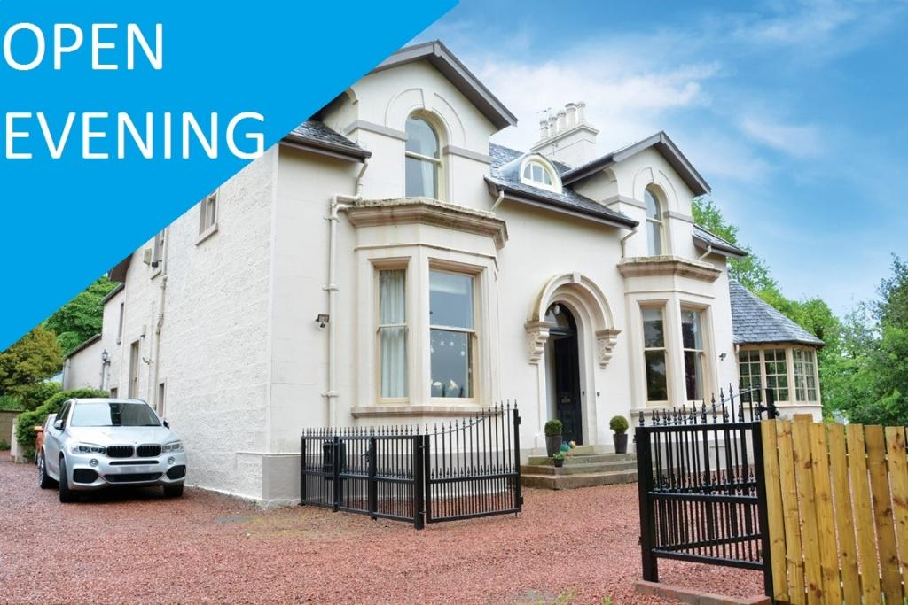3 Bedrooms Flat for sale in 63A Craw Road, Paisley, PA2 6AF