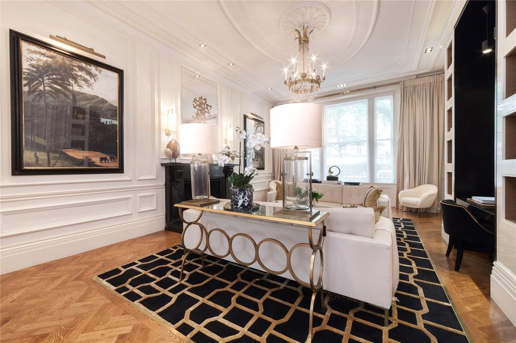 2 Bedrooms Flat for sale in Westbourne Terrace, Hyde Park, London