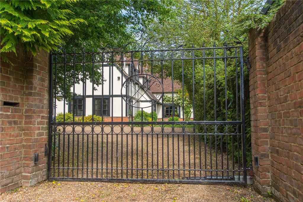 5 Bedrooms Detached House for sale in Clifton Gardens, Canterbury, Kent, CT2