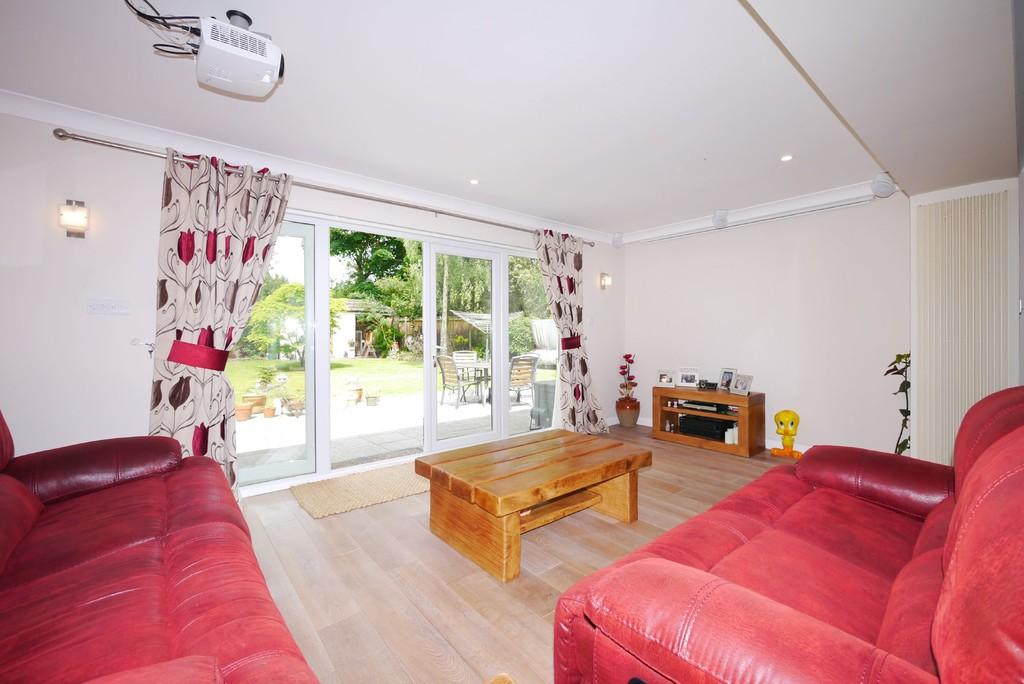 4 Bedrooms Detached House for sale in Meadowlands, Blundeston, Lowestoft