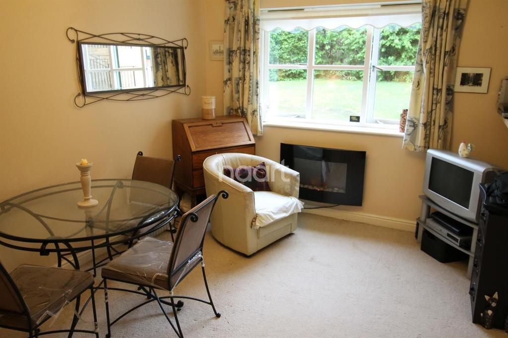 1 Bedroom Flat for sale in Lovegrove Drive