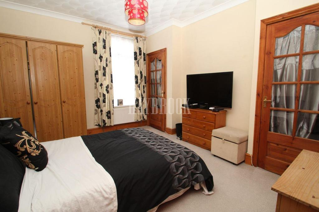 3 Bedrooms Terraced House for sale in Bala Street, Barnsley