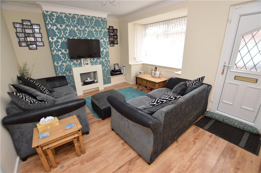 2 Bedrooms Semi Detached House for sale in Appleton Grove, Leeds