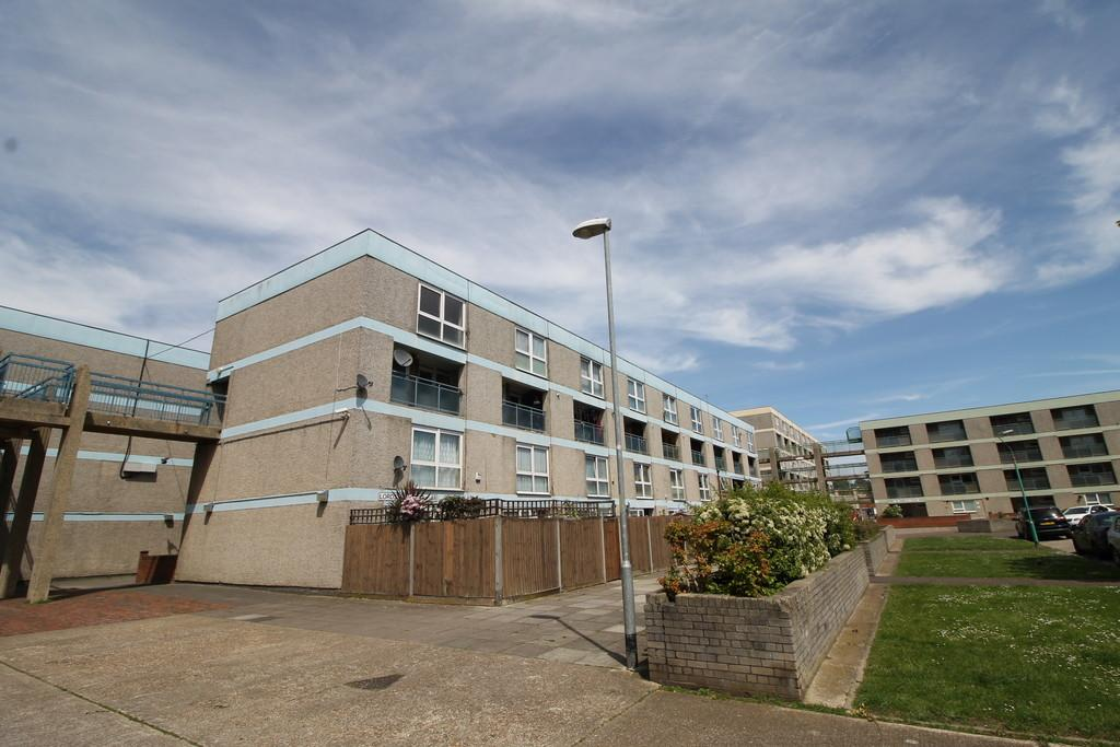 2 Bedrooms Maisonette Flat for sale in Lord Street, Portsmouth