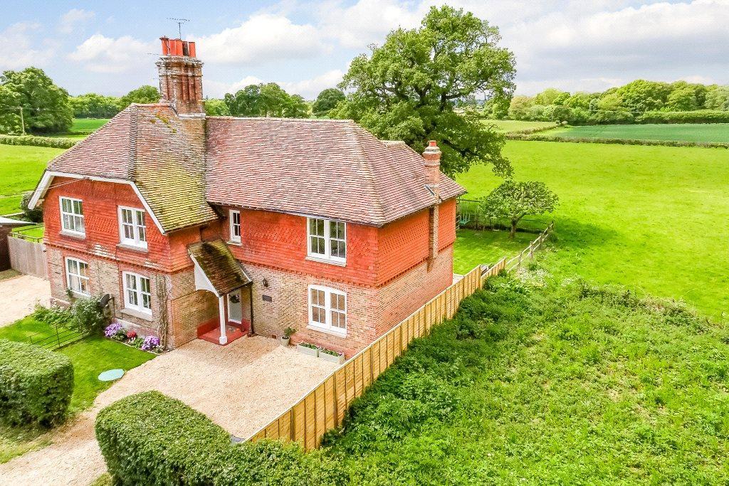 4 Bedrooms Semi Detached House for sale in Stairbridge Lane, Bolney, Haywards Heath, West Sussex