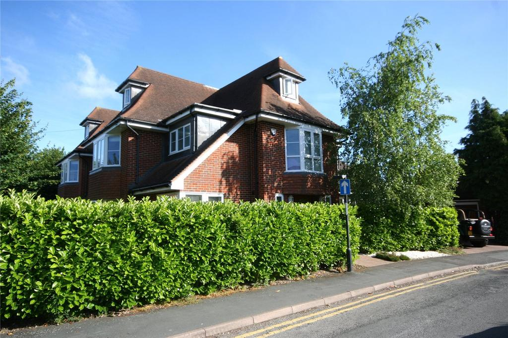 5 Bedrooms Town House for sale in Ethorpe Crescent, Gerrards Cross, Buckinghamshire