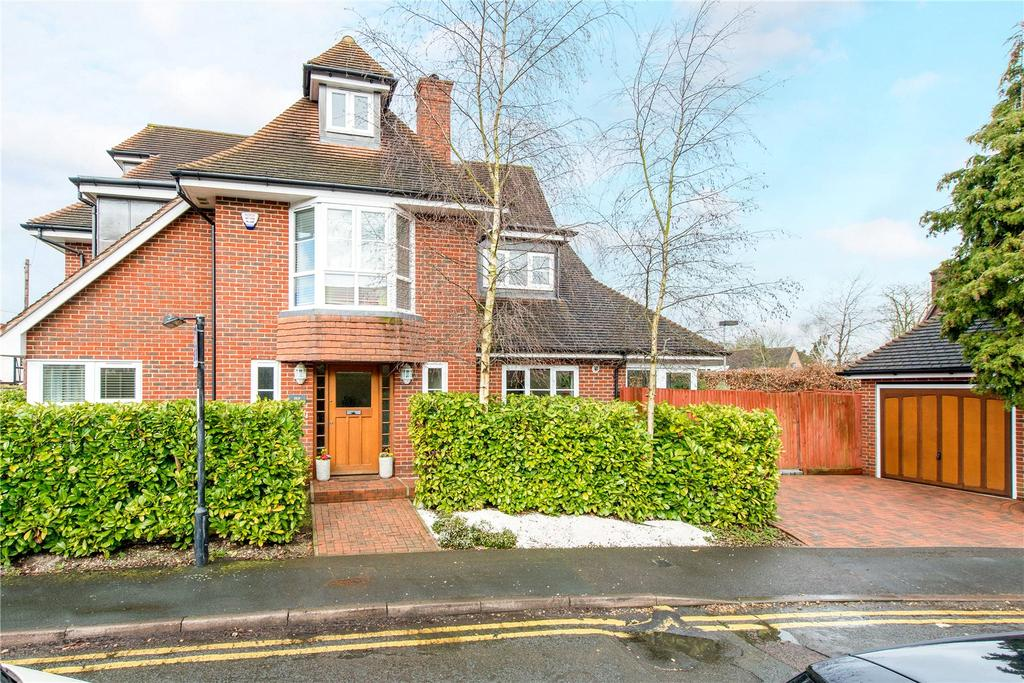5 Bedrooms Town House for sale in Ethorpe Crescent, Gerrards Cross, Buckinghamshire