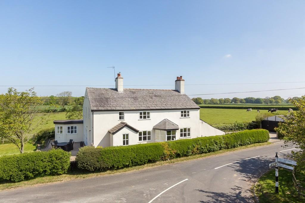 4 Bedrooms Detached House for sale in Rowley Bank Lane, High Legh