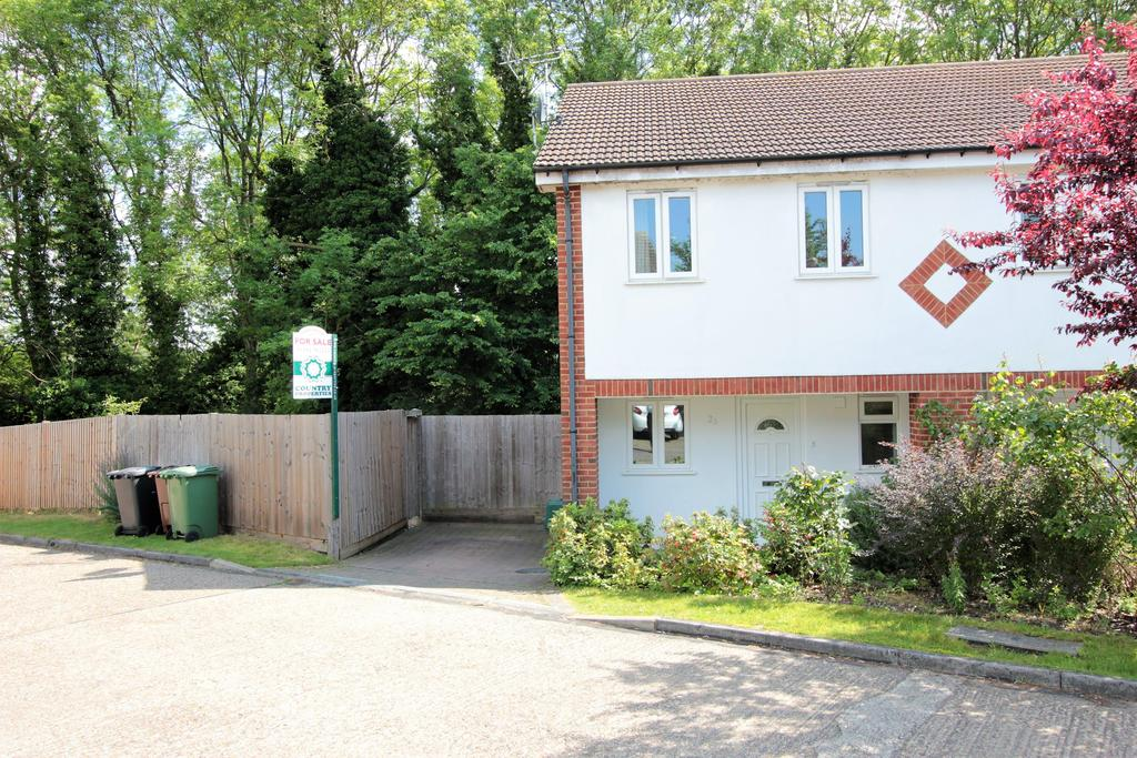 3 Bedrooms Semi Detached House for sale in Riverford Close, Harpenden, Hertfordshire, AL5 4LY