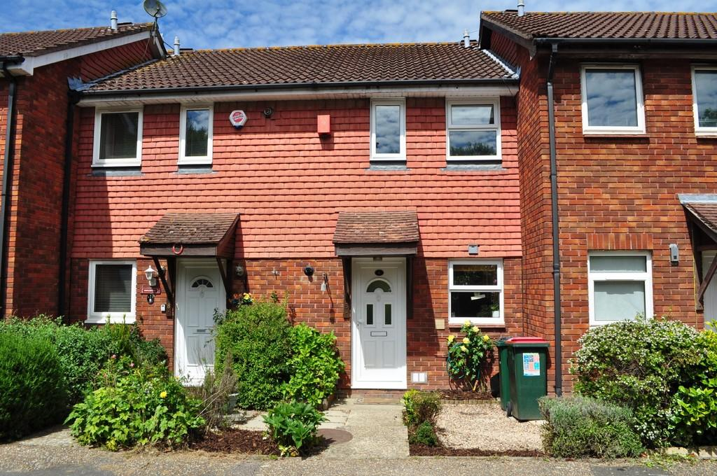 2 Bedrooms Terraced House for sale in St Sampson Road, Cottesmore Green