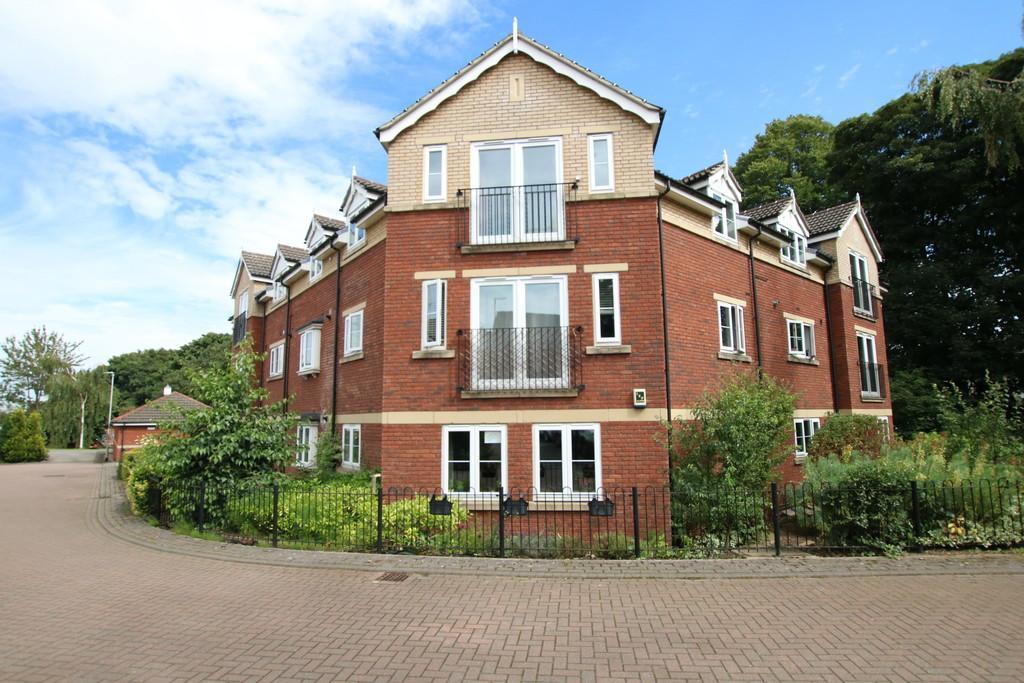 16 Chestnut Gardens, Morley, LEEDS, West Yorkshire 2 bed ...