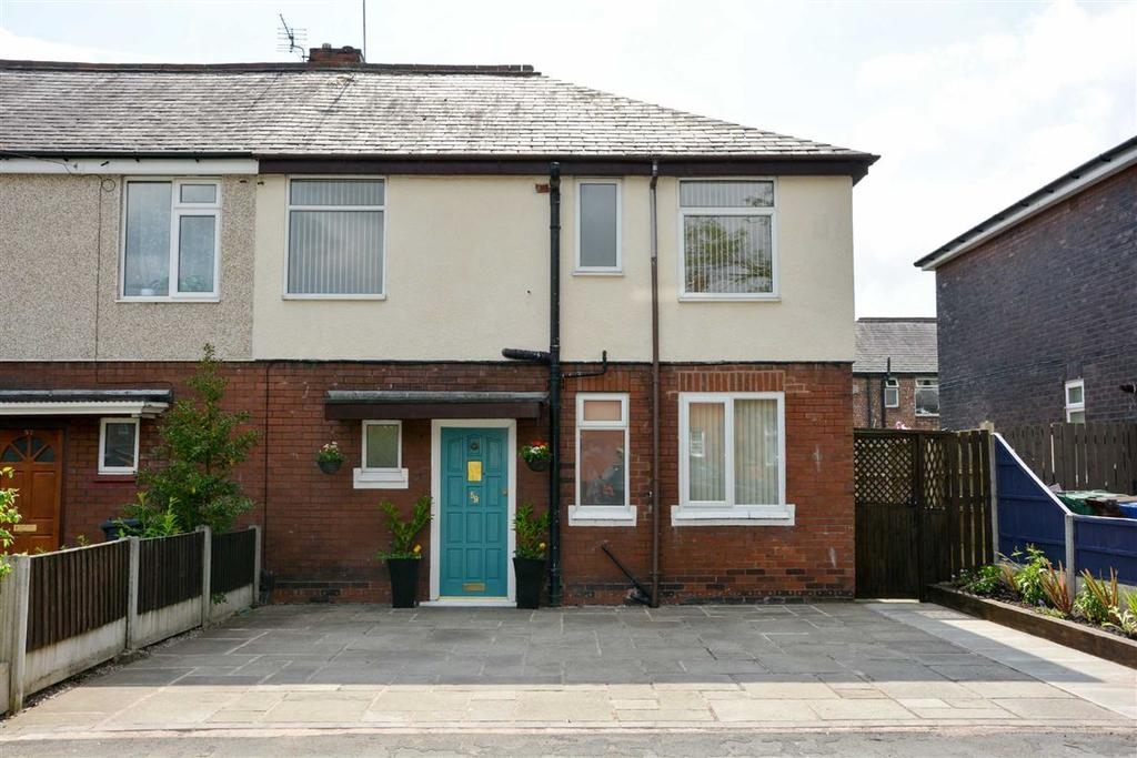 3 Bedrooms Semi Detached House for sale in Wellfield Road, Beech Hill, Wigan, WN6