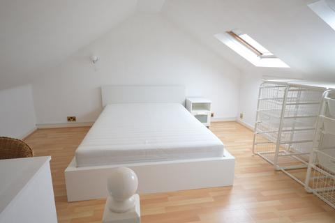 3 bedroom house to rent - Robert Street, Cathays, Cardiff