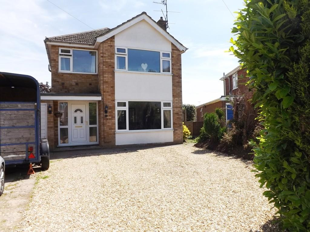 4 Bedrooms Detached House for sale in Greenfields, Holbeach