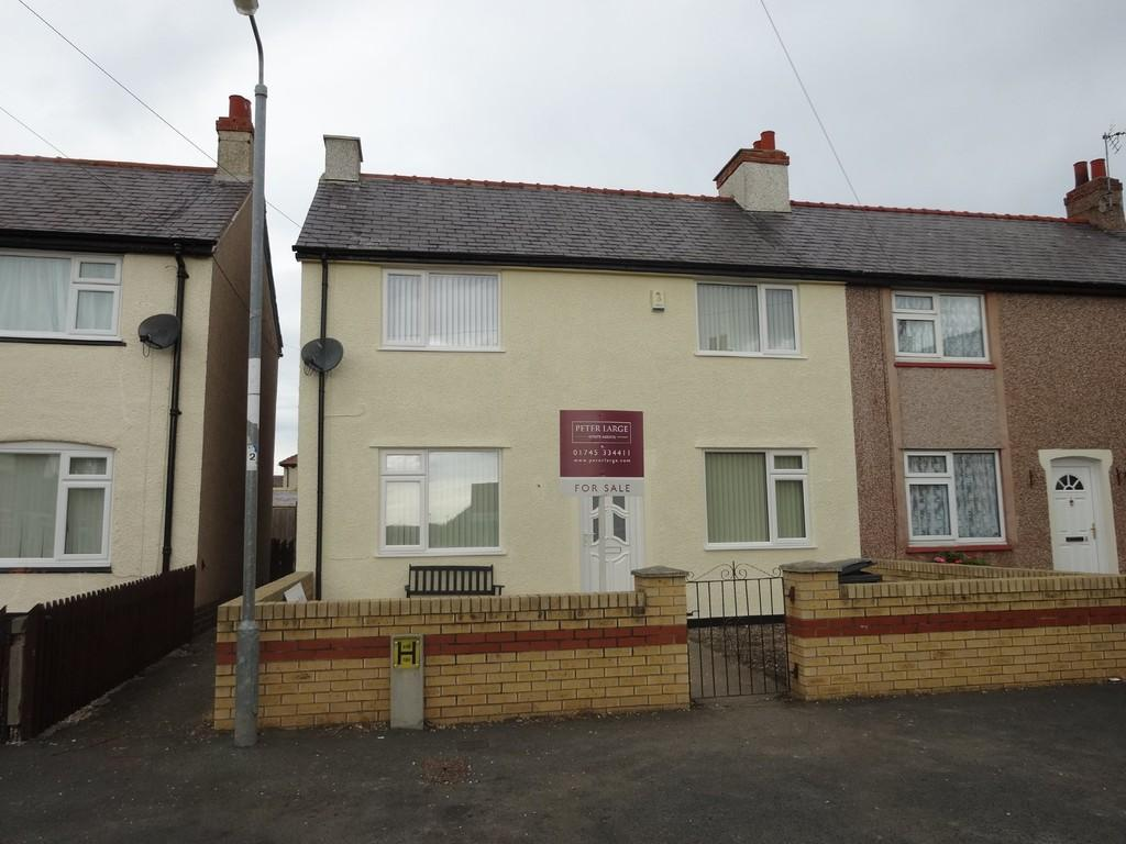 3 Bedrooms Semi Detached House for sale in The Crescent, Rhyl